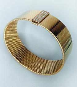Hermès gold bracelet